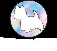 Logo Doggie Studio – biały West highland terrier na niebiesko-różowym, pastelowy tle z nazwą firmy zapisaną poniżej